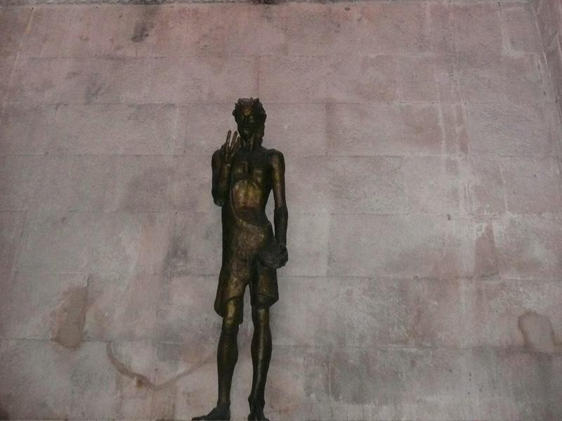 2BMestrovicSculptureOldCity