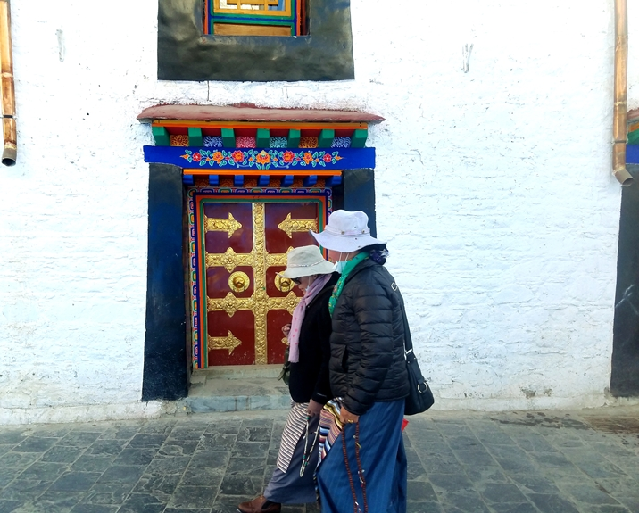 #3C-women-of-the-World-tibet
