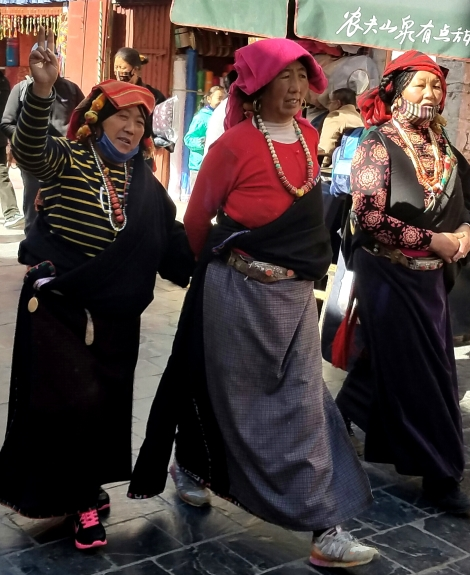 #5A-women-of-the-World-tibet