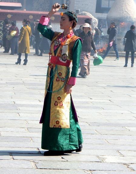 #7A-women-of-the-World-tibet