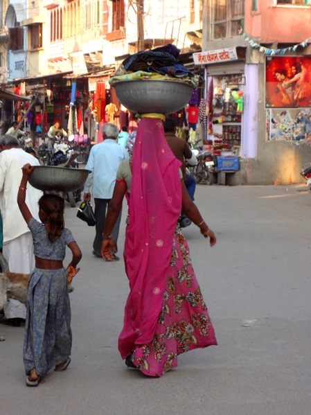 5B_women-of-the-world-india