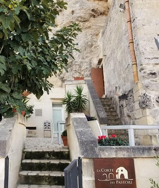 4A_the_stone_city_sassi_di_matera_italy